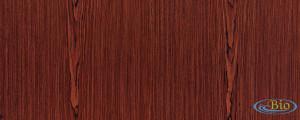 Aplikasikan pengawetan kayu mahogany agar keindahannya bisa bertahan lama.