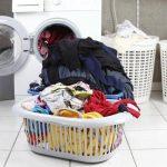 mengeringkan baju di rumah