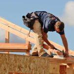 pembangunan rumah dengan konstruksi kayu Sumber dekoruma