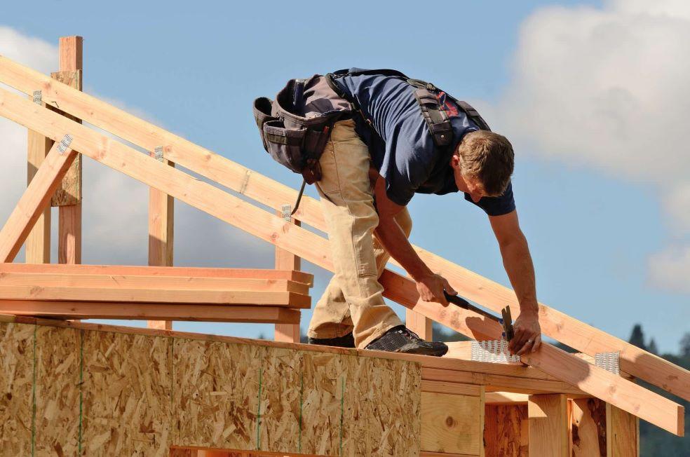 Pembangunan rumah dengan konstruksi kayu